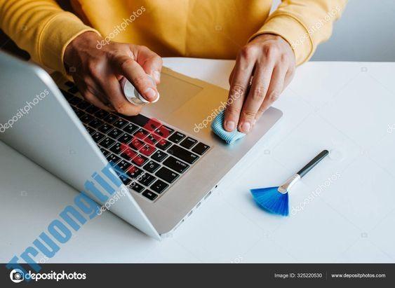 Vệ Sinh Laptop Tại Nhà Quận 4 - Trường Tín